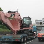 ピンクの重機(パワーショベル)